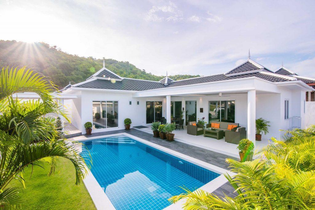 01 Villa LD Swimming pool