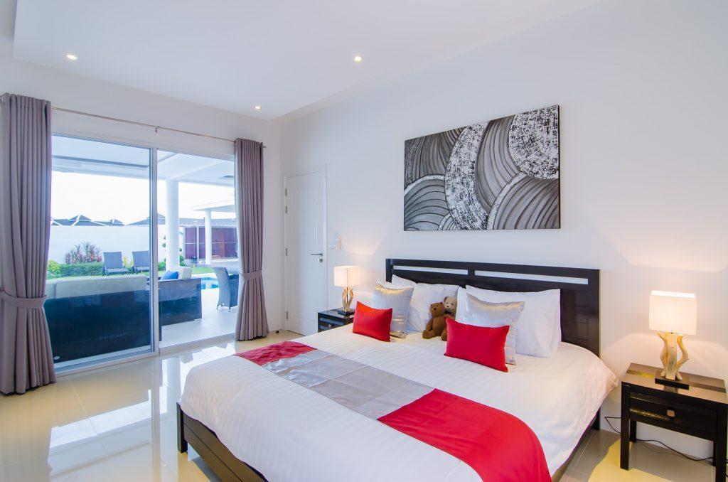 05 Villa LD Master bedroom