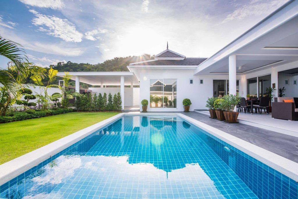 08 Villa LD Swimmingpool