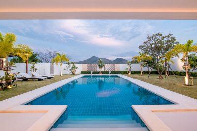 10. H villa