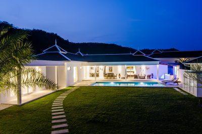 10. LA villa