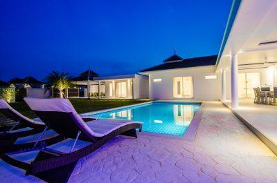 11. LA villa