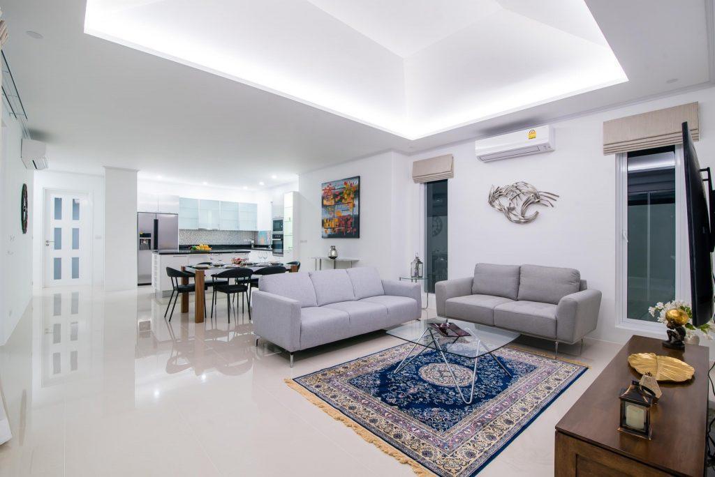 3. LA villa
